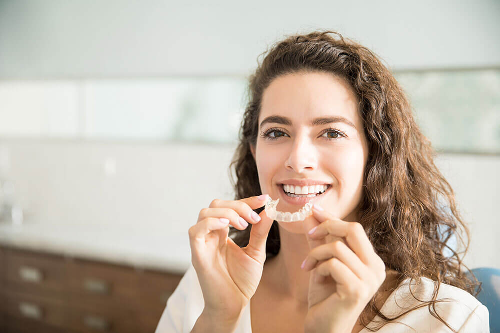 Invisalign: Fix Your Smile Without Metal Braces in Miami